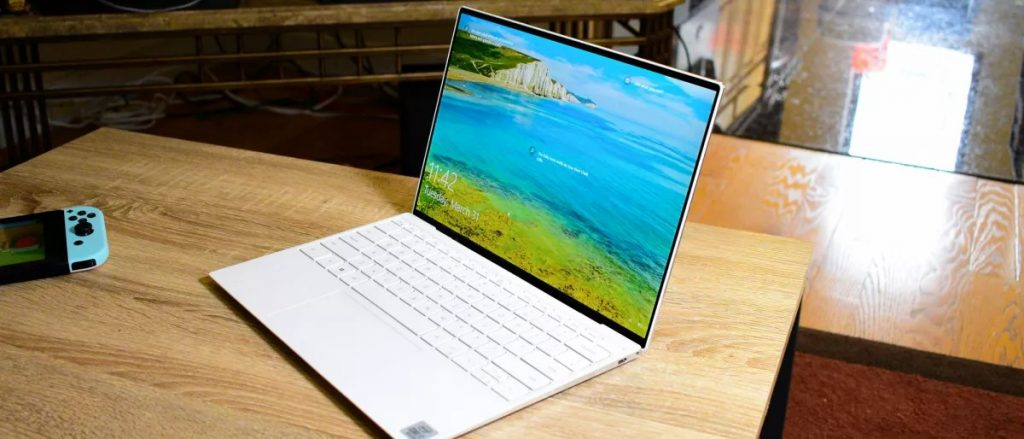 Dell XPS 13 in White
